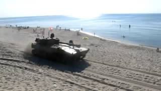Танки на пляже/ Tanks on the beach
