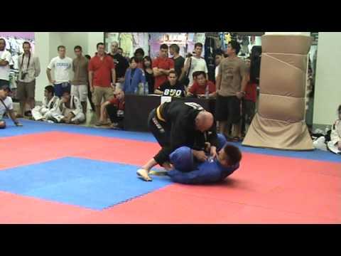 Makoto Ogasawara vs Ross Dallow 2009 FBT Thailand BJJ/Grappling Games
