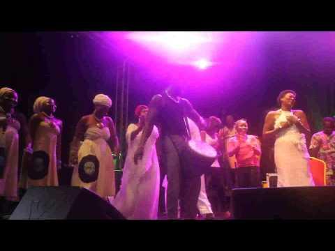 Festival Cotonou Couleurs Jazz Angélique Kidjo les Térriba et Zeynab / dekartcom.net