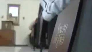 Download Video Ajaran sadis...!!! Telanjang di gereja sambil membaca alkitab MP3 3GP MP4
