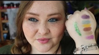 Glamour Doll Eyes Insider Unboxing & Swatches for April 2014 + Glitter + Puppies! Thumbnail