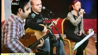 Zeynep HAYIR - 18 MAYIS ANMASI - Yürüyorum Karlı Yolda (YOL TV)