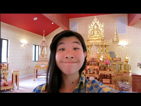 VISITING A BUDDHIST TEMPLE! | Vlog 26 (03.22.15)