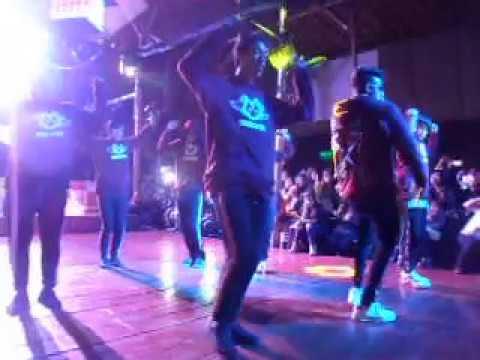 Dance cover de BTS - MIX Mc drop* WOLVES en el k-pop mega festival-Barranco.