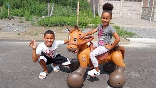 FamousTubeKIDS Get Magical Horse Surprise! Kids Pretend Play