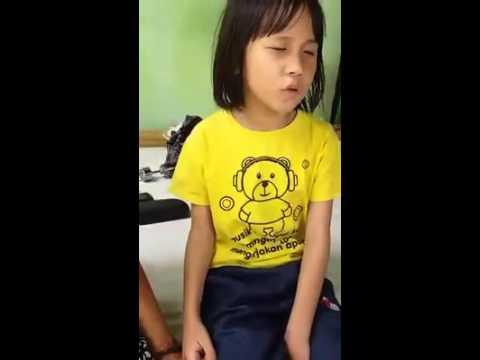 Download Lagu Gadis Cilik membaca Surah Ar Rahman Subhanallah merdunya