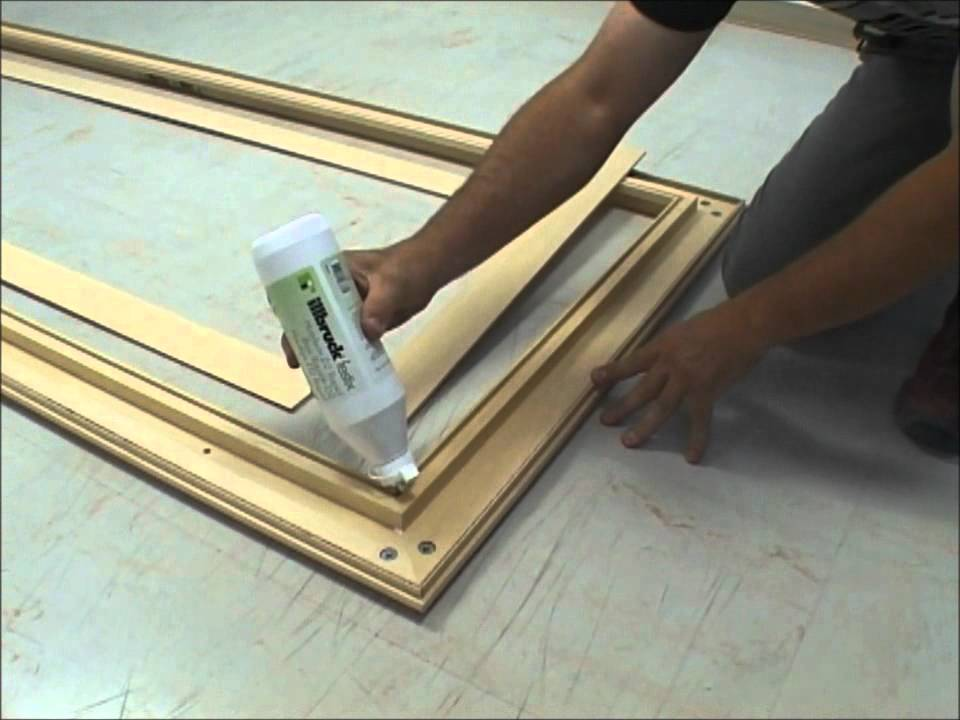 Pose d 39 un bloc porte en renovation youtube - Habillage porte interieur leroy merlin ...