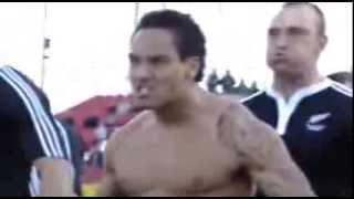 Устрашающий танец сборной Новой Зеландии по регби