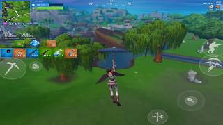 This is why I play stretched on Fortnite mobile..