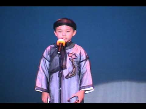 "Vong Co: Trang Thu Da Khuc. Kevin Phan 7 years old. ""Tieng Viet Men Yeu 2003"" SHORT VERSION"