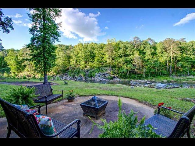 Discreet and Romantic Riverfront Home in Douglasville, Georgia
