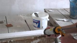 как клеить потолочный плинтус(багет)(клеим на разные материалы, стена из гипса , потолок пластик., 2014-01-22T01:31:17.000Z)