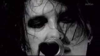 The Cure - Lullaby live @Music Planet 2Nite
