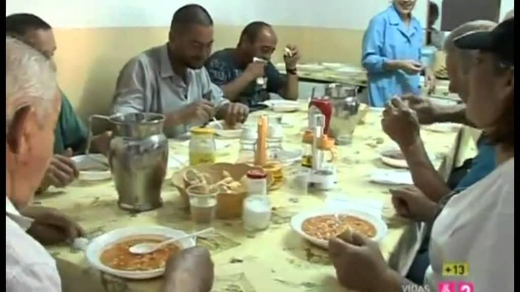 Un d a en el comedor social paquita gallego de legan s - Comedor social de triana ...