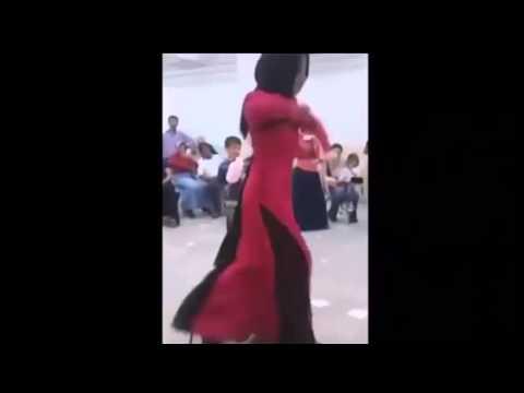 Düğünde Çılgınca Dans Eden Türbanlı - [Deorro Edition]