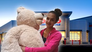 Oregon Vlog- Day 1: Pizza, Live Statue & Giant Teddy Bears?! Thumbnail