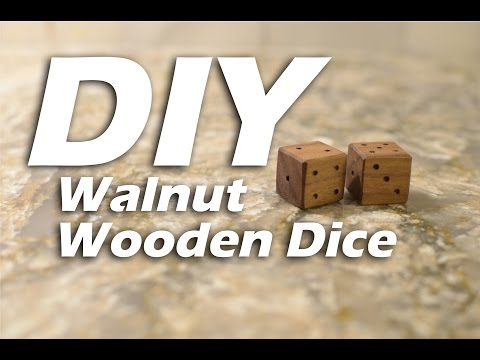 DIY Wooden Walnut Dice - HTM Dados de Madera #woodproject