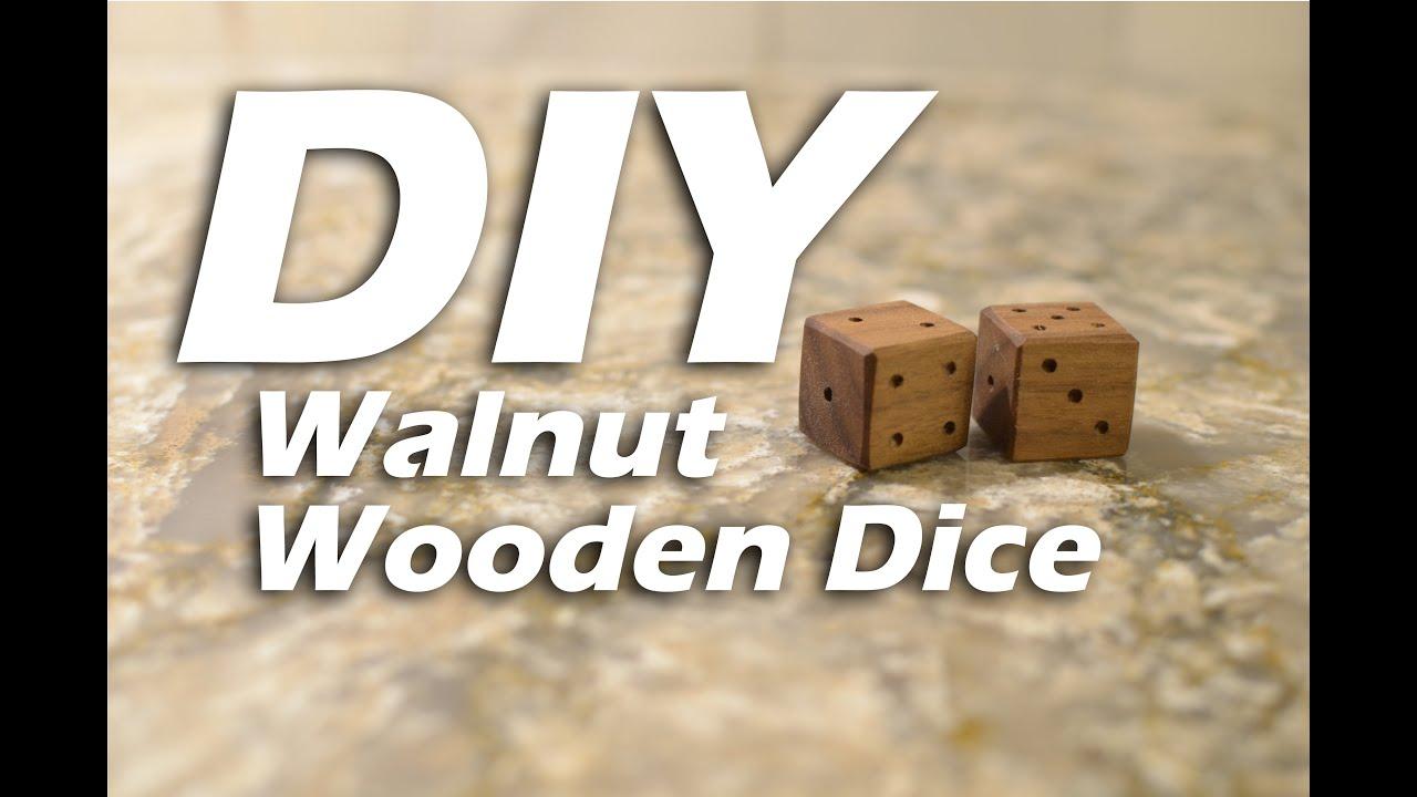 wooden dice - PageBD Com