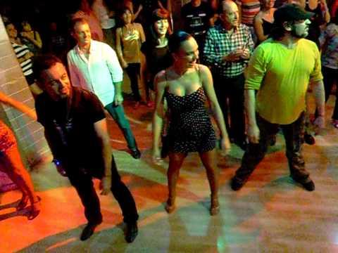 Animacion de Jesus el baile del serrucho en LAS VEGAS Aljaraque 22 10 2011