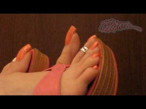 Toosexytoes in red