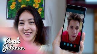Serunya Boy & Reva Lagi Video Call [Anak Jalanan] [29 Jan 2016]