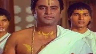 Sri Mantralaya Raghavendra Swamy Mahatyam Scenes - Somayajulu impressed by Rajnikanth