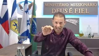 """""""Deus mandou orar por você e quer falar contigo"""".Com o Profeta Missionário Marcelo Gomes."""