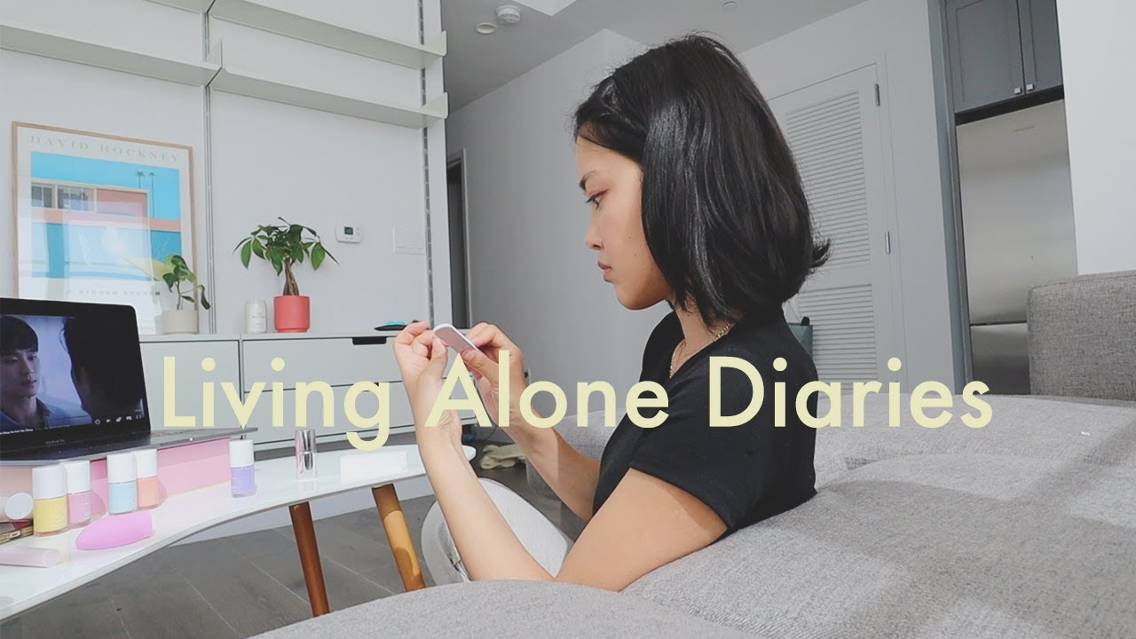 Living Alone Diaries | Girl talk about first dates, vinyl shopping, nails, getting a Korean teacher!