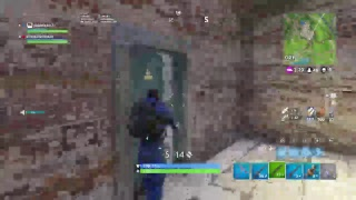 playing fortnite jw and we are try to get a win