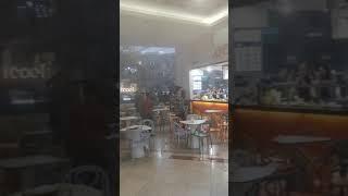INCENDIU la mall-ul AFI Cotroceni, din Capitală. Degajări de fum în zona food court