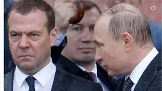 Мемы с недовольным Медведевым