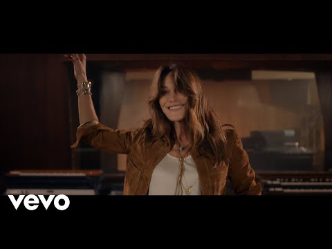 Carla Bruni - Quelque chose (Official Music Video)