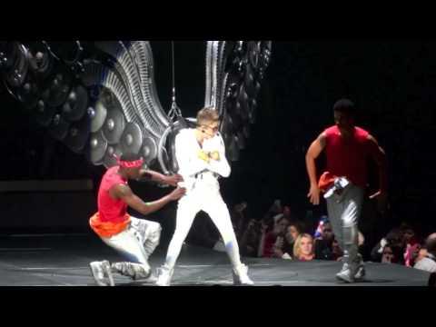 Justin Bieber- Full Intro/