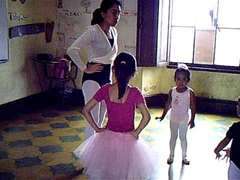 Guatemala Ballet De De Escuela Escuela Amatitlan Guatemala Amatitlan Ballet De Escuela Ybf76gvy