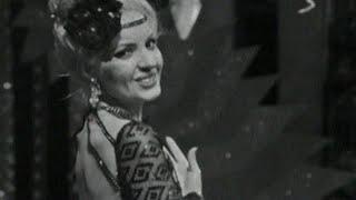 Ayla Dikmen-Zehir Gibi Aşkın Var Resimi