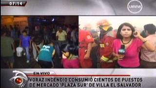 Incendio consume mercado en Villa el Salvador