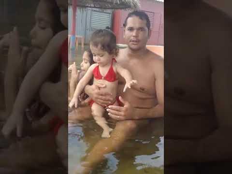 Miriam é família tomando banho na ilha da coroa em Curaçá 5/01/2020