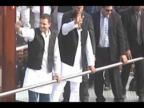 Akhilesh Yadav & Rahul Gandhi conduct joint road show in Lucknow
