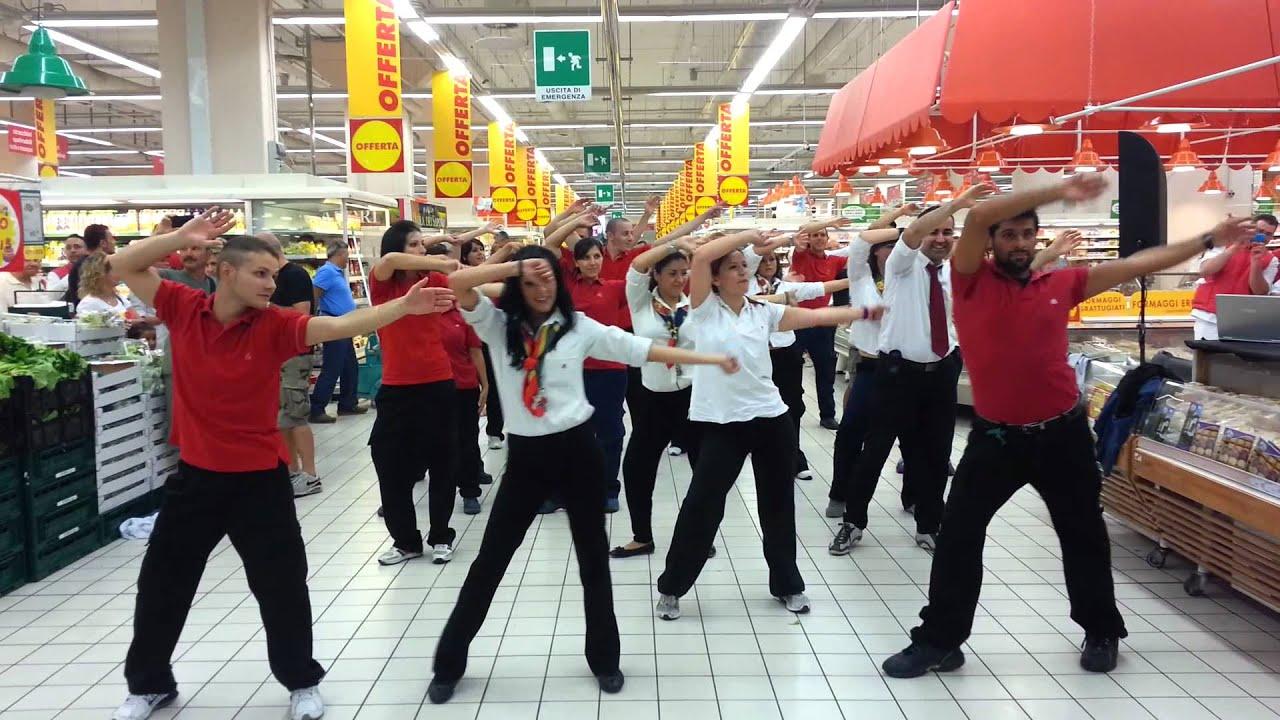 Flashmob auchan porta di roma 28 07 2012 youtube - Auchan porta di roma offerte ...
