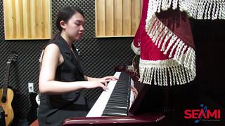 """Cover """"Có em chờ"""" - cô Thúy giảng viên piano"""