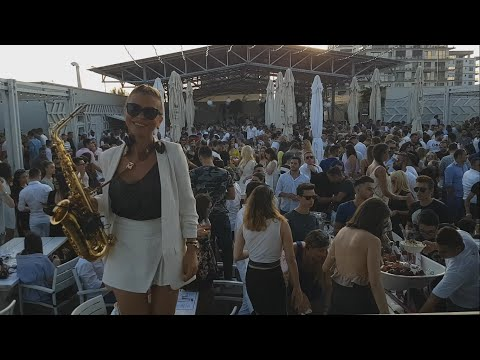 Loft Mamaia - DONIA - Doina Spataru & DJ U-GIN - Issues Julia Michaels - Saxophone Cover