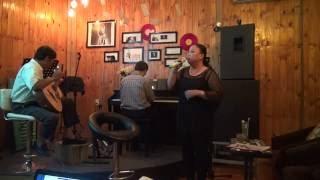 Hai kỷ niệm một chuyến đi - Cô Ngọc [Đêm nhạc tối CN hàng tuần - Xương Rồng Coffee & Acoustic]