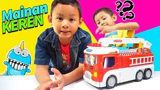 Praya Bermain Mainan Mobil Truk Pemadam | Transforming Fire Truk Bisa Berubah Menjadi Garasi
