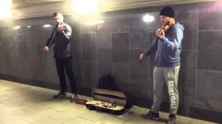 Музыканты в подземке - моя любимая музыка