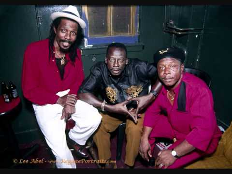 The Heptones - Why Must I mp3