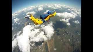 Обучение прыжкам с парашютом по программе AFF Киев