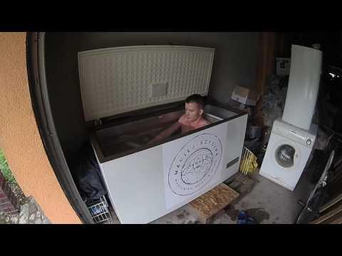 Maciej Szyszka - mastering body and mind - bath in freezer