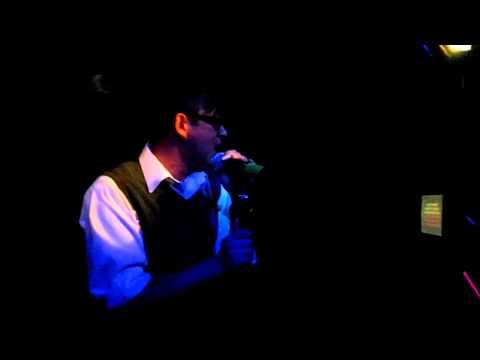 munky hula hula karaoke