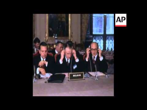 LIB 18-1-74 EEC FINANCE MINISTERS MEET BEFORE CONFERENCE
