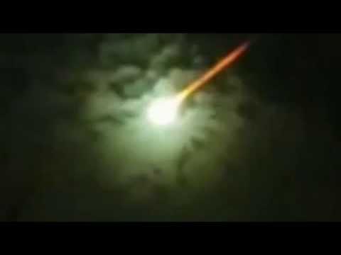 Massive Fireball Turns Sky Green Over Argentina